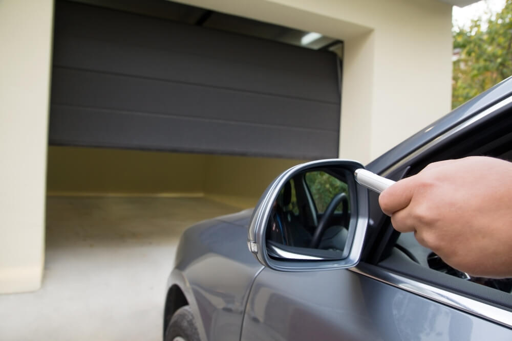 6 things to know before buying a Garage Door!